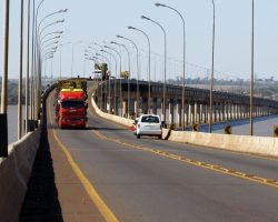 Ponte de Guaira. 11-08-2011. Foto Jorge Woll. SEIL/DER.